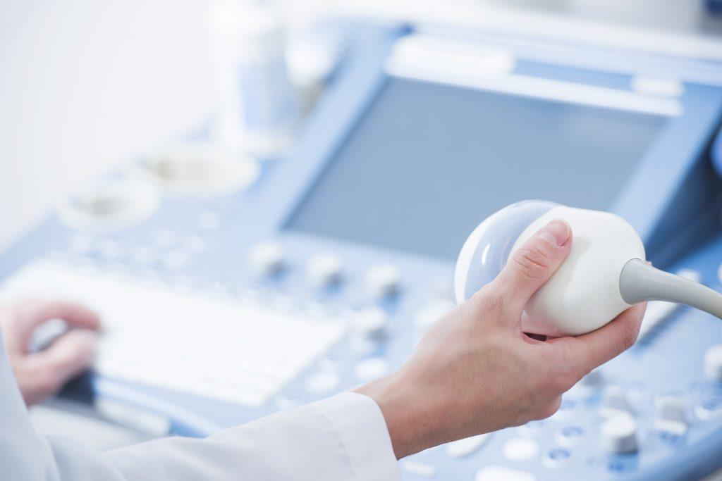 醫生可結合超聲波檢查觀察肝臟組織是否出現異常情況。